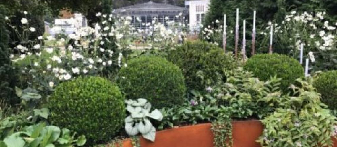 White and Green Structured Flower bed at Orticolario 2017 by the Garden Designer Roberto Landelli